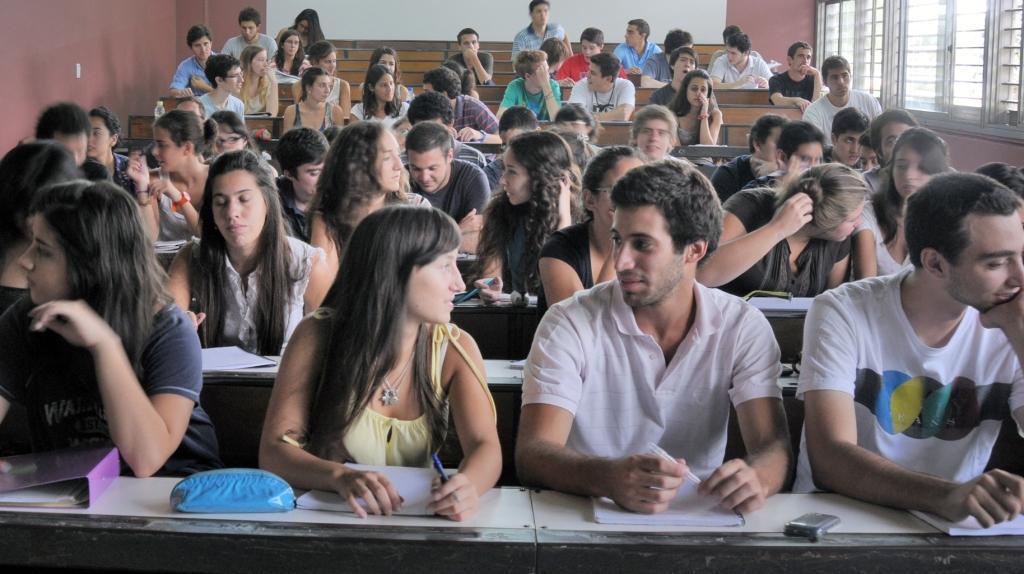Charla a alumnos del ISET 58